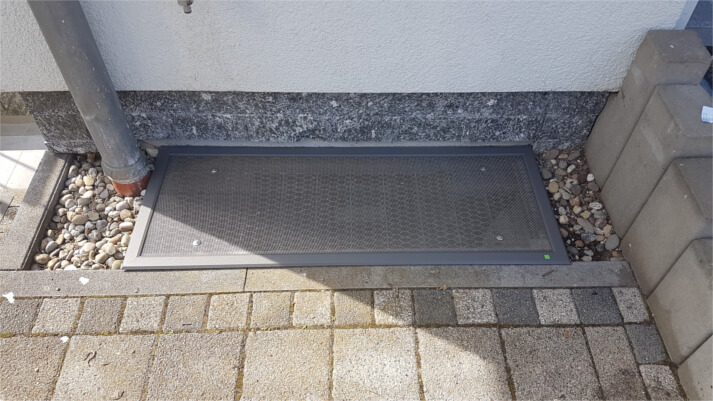 Referenzen Lichtschachtabdeckungen in Niederroßbach (nachher)