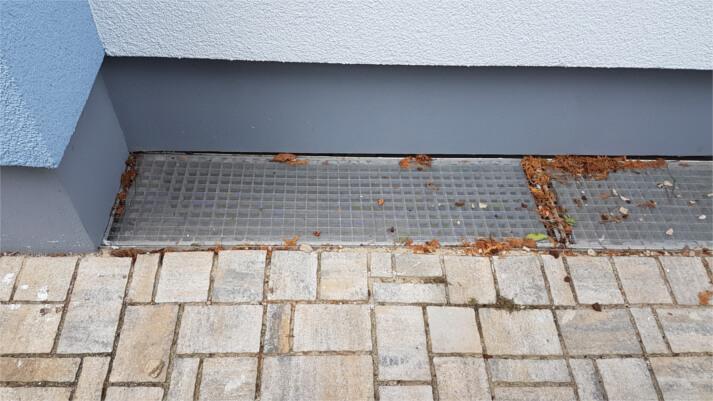 Referenzen Lichtschachtabdeckungen in Ginsheim-Gustavsburg (vorher)